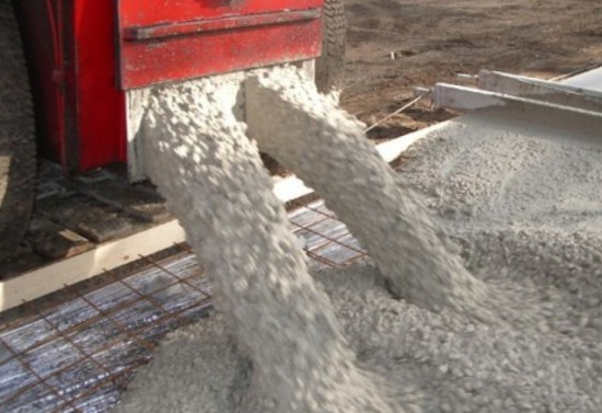 beton-fundament-550x377